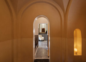 Hammam massage detoxifies the body and contributes to better overall health.